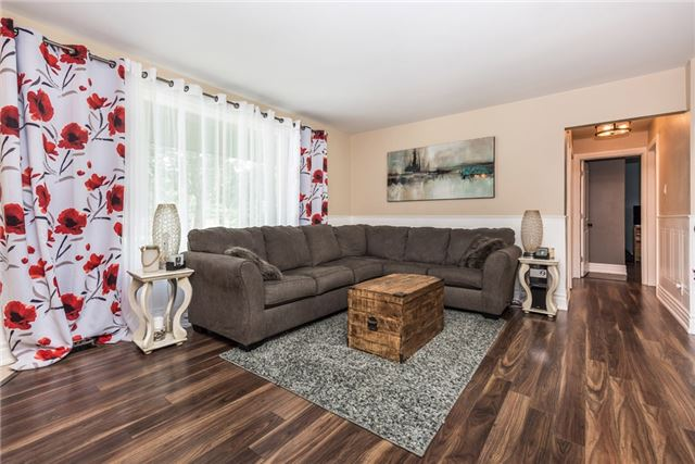 Detached at 2196 Richard St, Innisfil, Ontario. Image 15