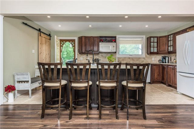 Detached at 2196 Richard St, Innisfil, Ontario. Image 16