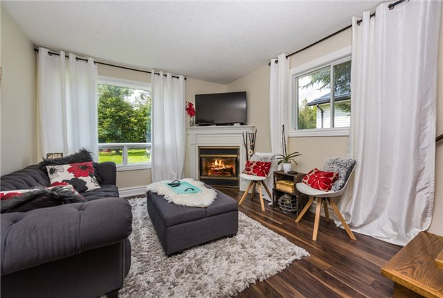 Detached at 2196 Richard St, Innisfil, Ontario. Image 20