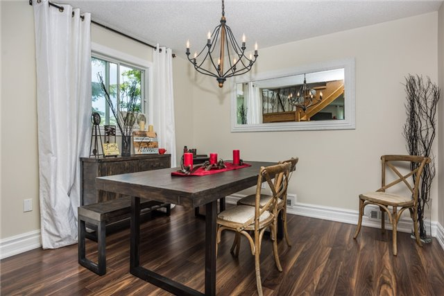 Detached at 2196 Richard St, Innisfil, Ontario. Image 2