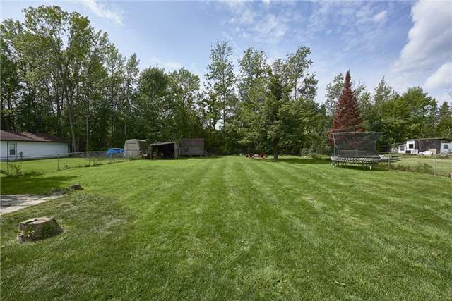 Detached at 2196 Richard St, Innisfil, Ontario. Image 13