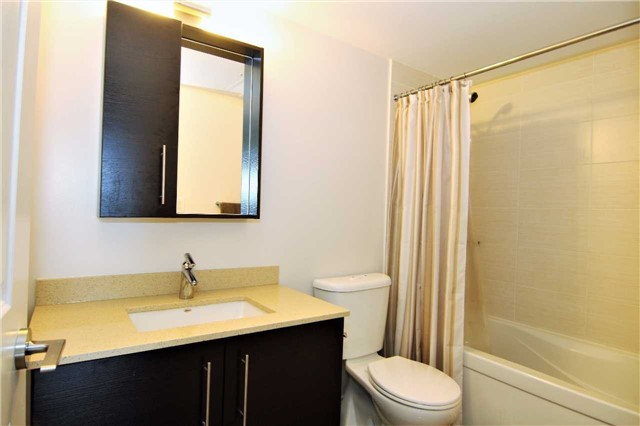 Condo Apartment at 253 South Park Rd, Unit 502, Markham, Ontario. Image 6