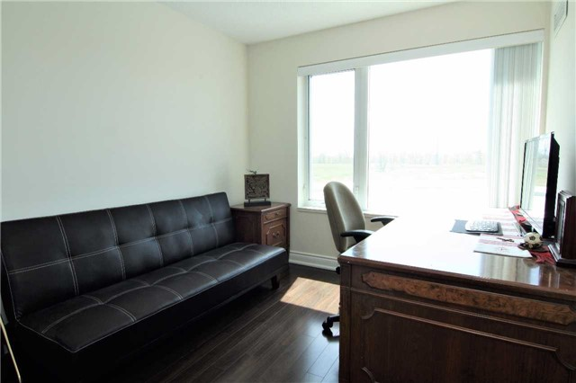 Condo Apartment at 253 South Park Rd, Unit 502, Markham, Ontario. Image 7