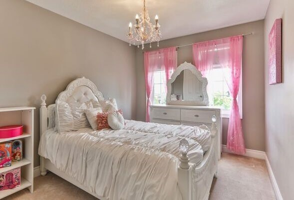 Townhouse at 320 Ravineview Dr, Unit 2, Vaughan, Ontario. Image 3