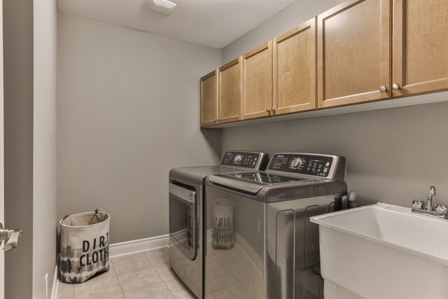 Townhouse at 320 Ravineview Dr, Unit 2, Vaughan, Ontario. Image 6