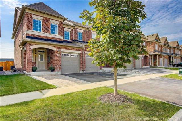 Townhouse at 107 Staglin Crt, Markham, Ontario. Image 1