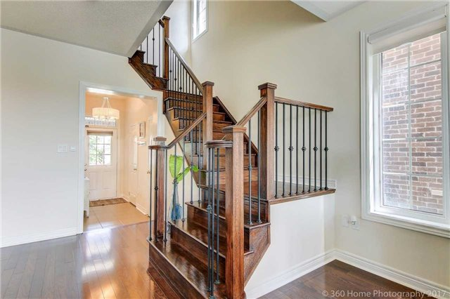 Townhouse at 107 Staglin Crt, Markham, Ontario. Image 12