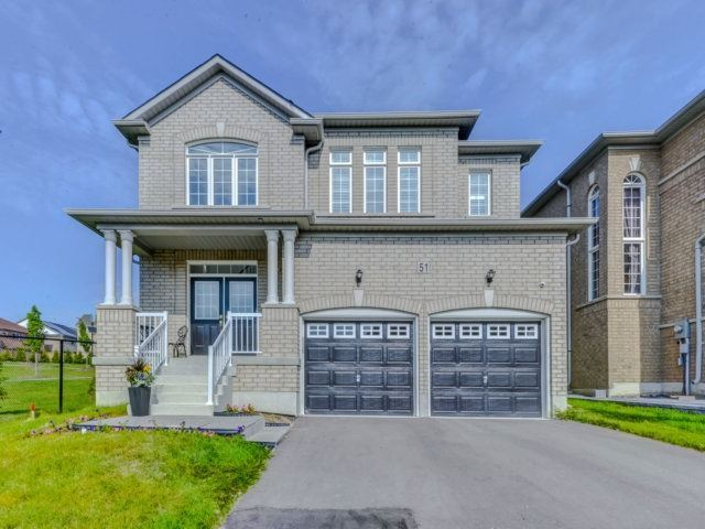 Detached at 51 Nature Way Cres, Newmarket, Ontario. Image 12
