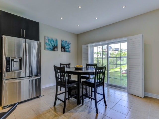 Detached at 51 Nature Way Cres, Newmarket, Ontario. Image 19