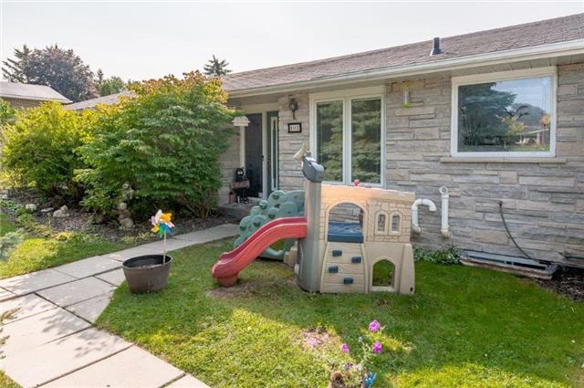 Detached at 107 Hillcrest Dr, East Gwillimbury, Ontario. Image 1