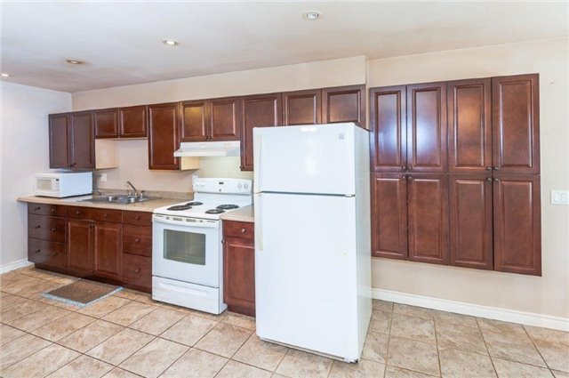 Detached at 107 Hillcrest Dr, East Gwillimbury, Ontario. Image 7