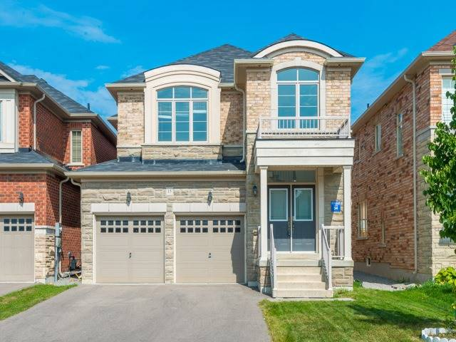 Detached at 15 Greendale Ave, Whitchurch-Stouffville, Ontario. Image 1