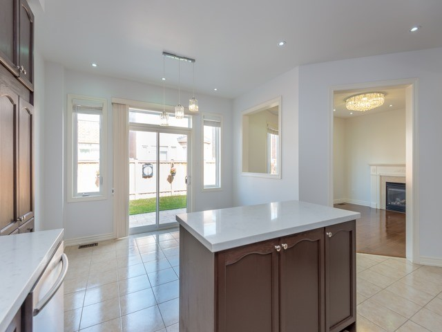 Detached at 15 Greendale Ave, Whitchurch-Stouffville, Ontario. Image 19
