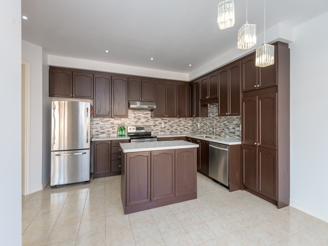 Detached at 15 Greendale Ave, Whitchurch-Stouffville, Ontario. Image 20