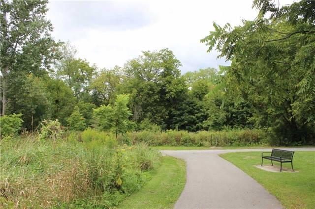 Link at 24 Denby Crt, Markham, Ontario. Image 8