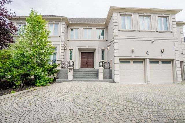 Detached at 27 Eastgate Cres, Richmond Hill, Ontario. Image 1