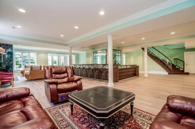 Detached at 27 Eastgate Cres, Richmond Hill, Ontario. Image 11
