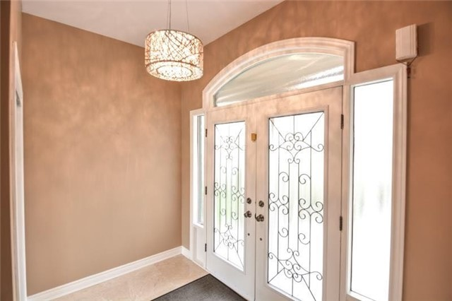 Detached at 27 Waymount Ave, Richmond Hill, Ontario. Image 11