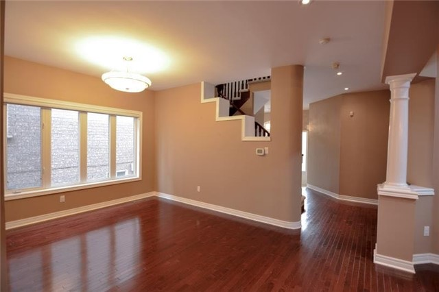 Detached at 27 Waymount Ave, Richmond Hill, Ontario. Image 12