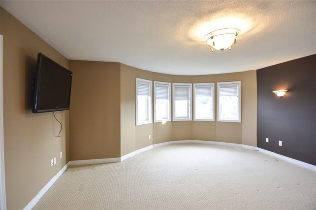 Detached at 27 Waymount Ave, Richmond Hill, Ontario. Image 16