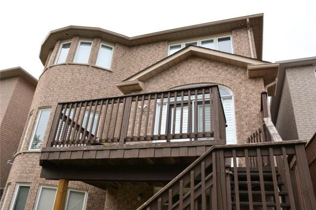 Detached at 27 Waymount Ave, Richmond Hill, Ontario. Image 9