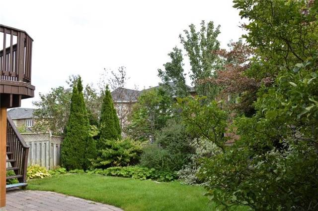 Detached at 27 Waymount Ave, Richmond Hill, Ontario. Image 10