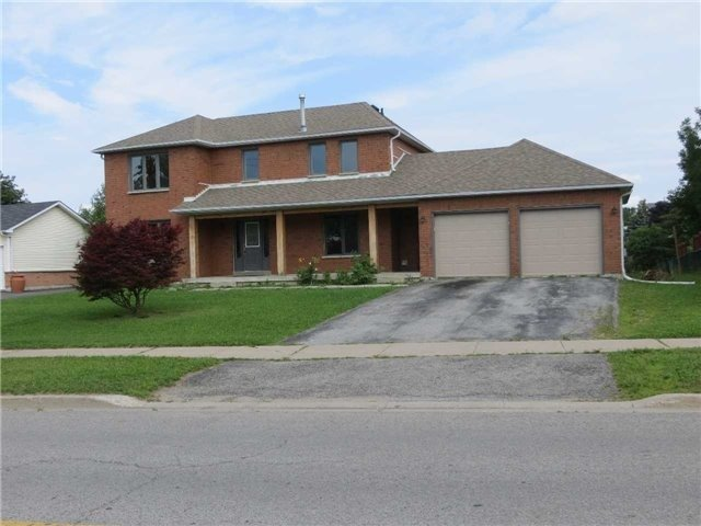 Detached at 2308 Victoria St, Innisfil, Ontario. Image 1