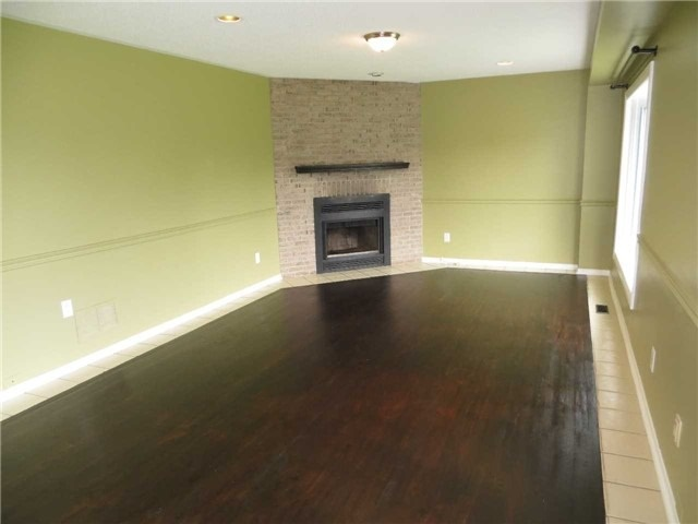 Detached at 2308 Victoria St, Innisfil, Ontario. Image 11