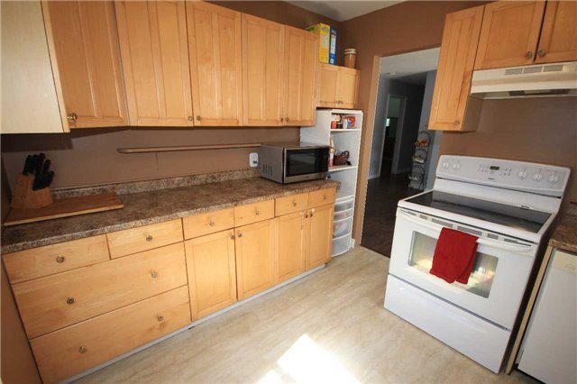 Detached at 2675 Lawrence Ave, Innisfil, Ontario. Image 13