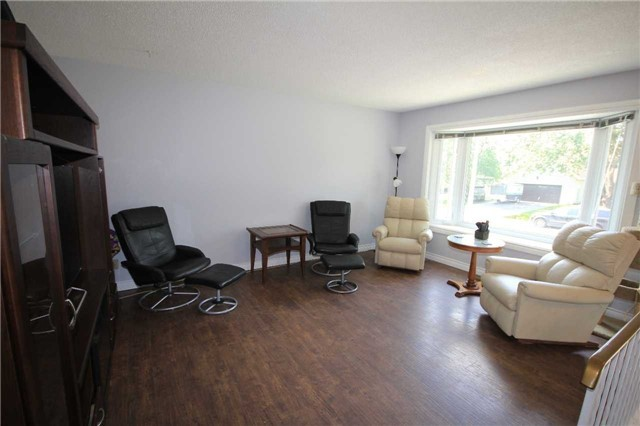 Detached at 2675 Lawrence Ave, Innisfil, Ontario. Image 16