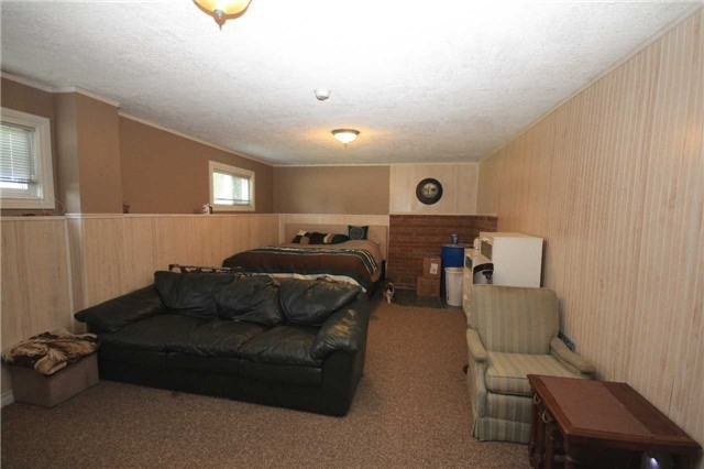 Detached at 2675 Lawrence Ave, Innisfil, Ontario. Image 17