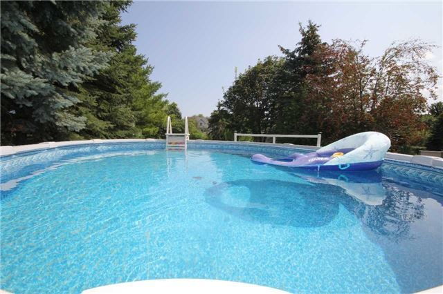 Detached at 2675 Lawrence Ave, Innisfil, Ontario. Image 5