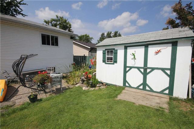 Detached at 2675 Lawrence Ave, Innisfil, Ontario. Image 10