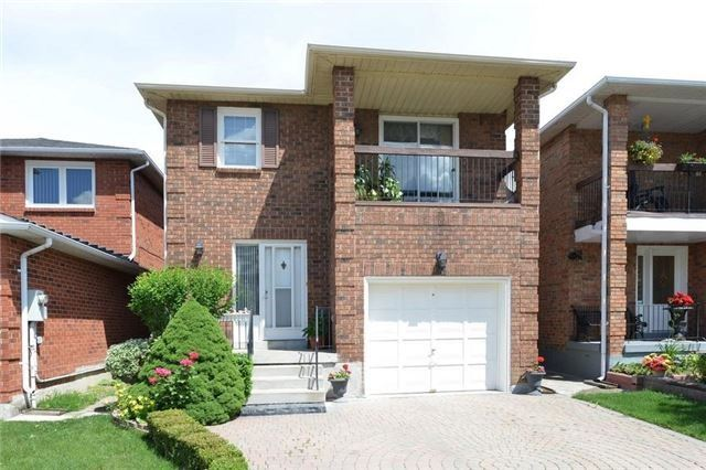 Detached at 75 Whitney Pl, Vaughan, Ontario. Image 1