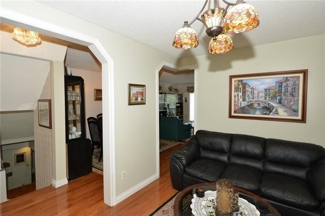 Detached at 75 Whitney Pl, Vaughan, Ontario. Image 15