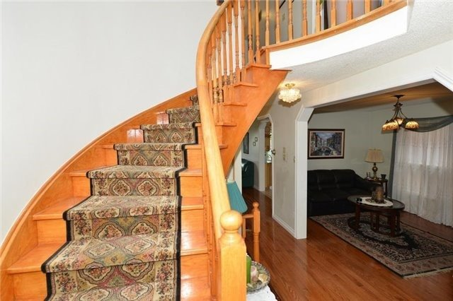 Detached at 75 Whitney Pl, Vaughan, Ontario. Image 16