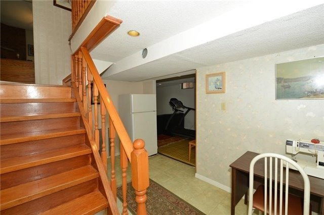 Detached at 75 Whitney Pl, Vaughan, Ontario. Image 10