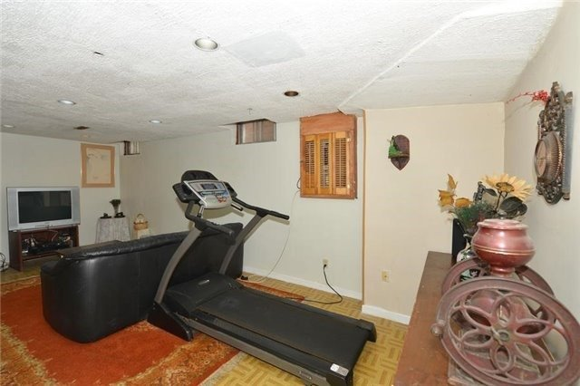 Detached at 75 Whitney Pl, Vaughan, Ontario. Image 11