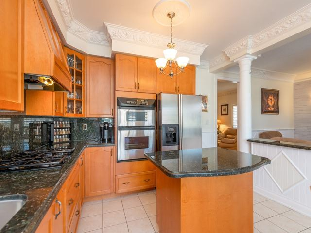 Detached at 36 Sequoia Rd, Vaughan, Ontario. Image 17