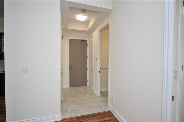 Condo Apartment at 9088 Yonge St, Unit Lph6, Richmond Hill, Ontario. Image 17