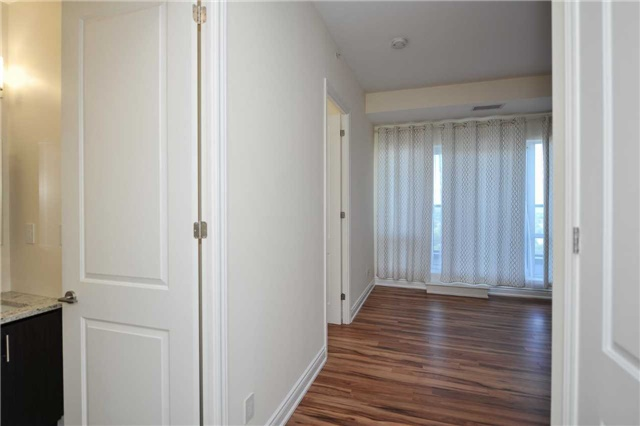 Condo Apartment at 9088 Yonge St, Unit Lph6, Richmond Hill, Ontario. Image 18