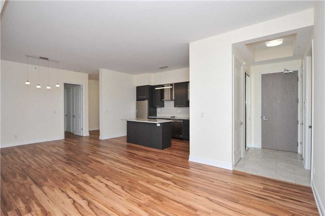 Condo Apartment at 9088 Yonge St, Unit Lph6, Richmond Hill, Ontario. Image 20