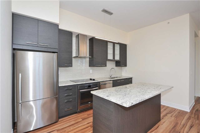Condo Apartment at 9088 Yonge St, Unit Lph6, Richmond Hill, Ontario. Image 5