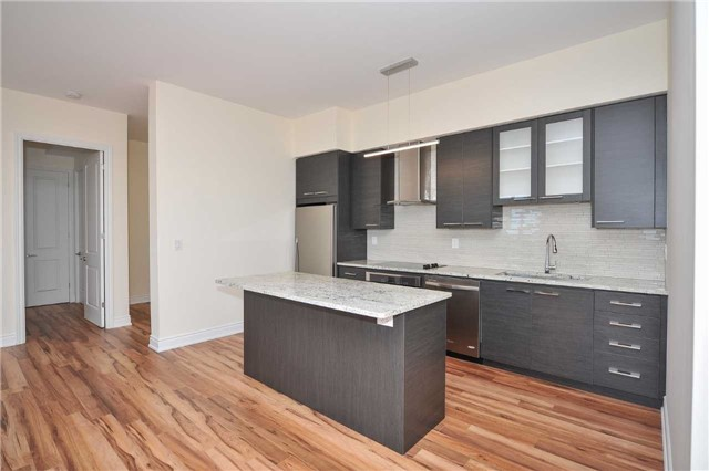 Condo Apartment at 9088 Yonge St, Unit Lph6, Richmond Hill, Ontario. Image 6