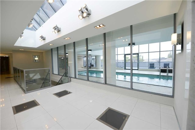 Condo Apartment at 9088 Yonge St, Unit Lph6, Richmond Hill, Ontario. Image 13