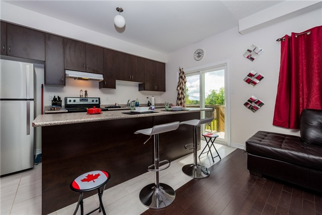 Townhouse at 1263 Bardeau St, Innisfil, Ontario. Image 3