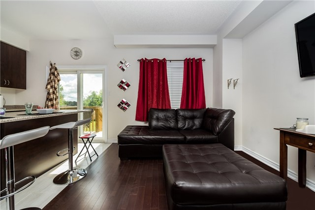 Townhouse at 1263 Bardeau St, Innisfil, Ontario. Image 5