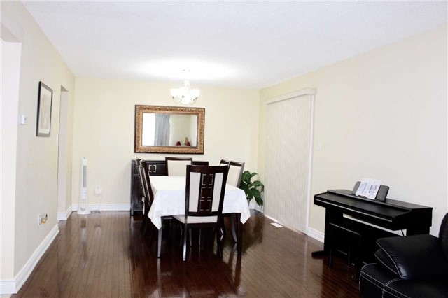 Condo Townhouse at 51 New Havens Way, Markham, Ontario. Image 12