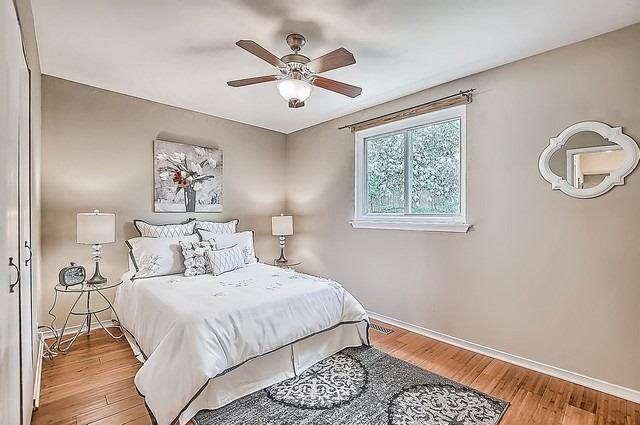 Semi-detached at 122 Longford Dr, Newmarket, Ontario. Image 9
