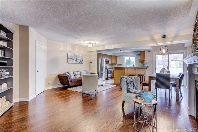 Semi-detached at 682 Napa Valley Ave, Vaughan, Ontario. Image 14